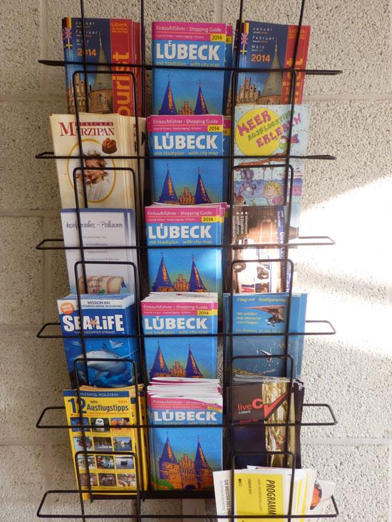 Lübeck - Auslage des Shopping Guide Lübeck