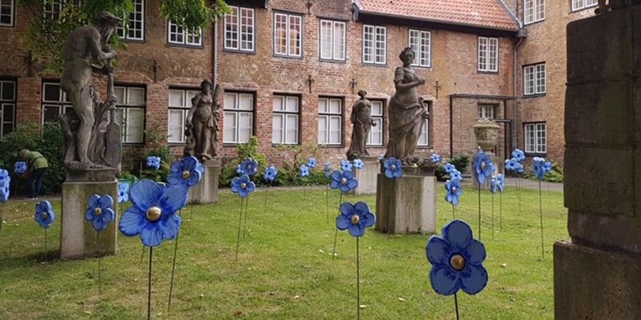 Turan Installation Blütenmeer der Sehnsüchte St. Annen-Museum