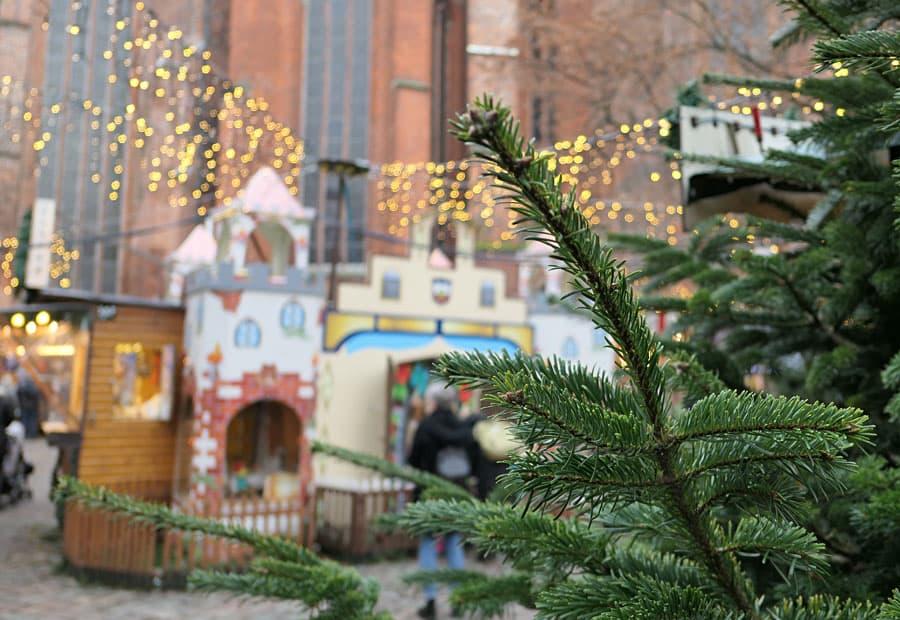 weihnachtsmarkt-luebeck-maerchenwald